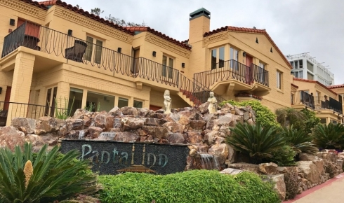 La Jolla's Pantai Inn: An Enchanting Coastal Retreat